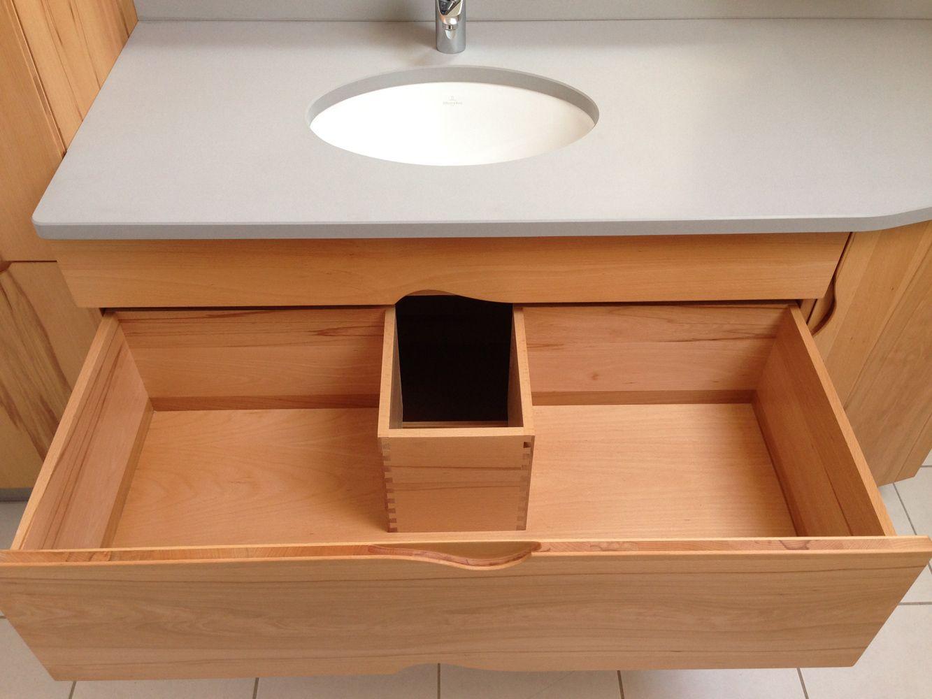 Salle de bain en noyer for Amenagement meuble salle de bain